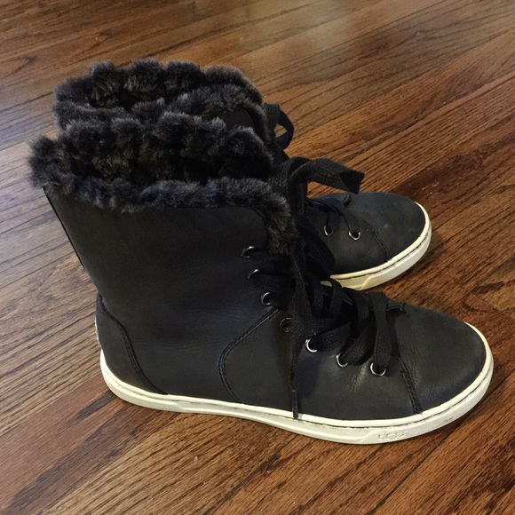 ad07985d75f UGG women's Croft Luxe Quilt Boot